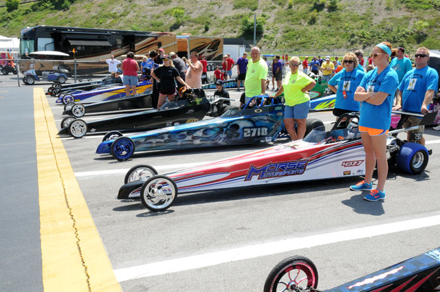 Jr. Dragsters in the staging lanes